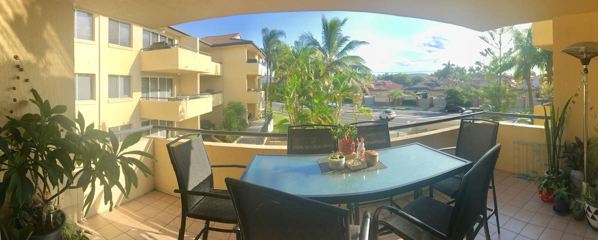 Comm Games only-2 bedroom apartment close to water