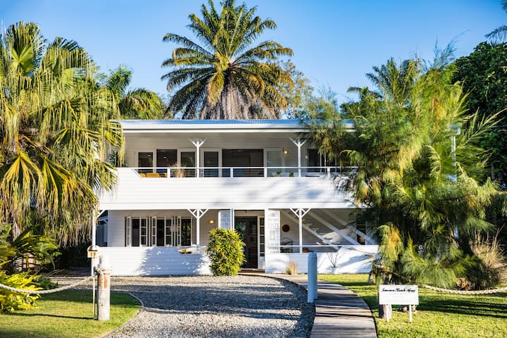 Jamaica Beach House In Port Douglas