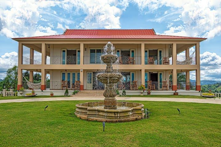 La Casona Luxury Villa