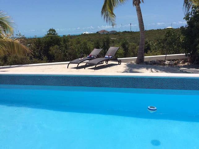 Superb value, wonderful views, pool & breezes!