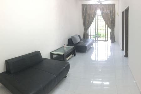 simple, clean and tidy for your stay - Kulim - Haus