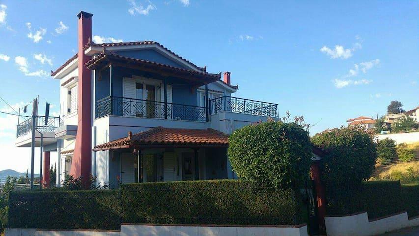 Archontiko Manos House,  Κορινθία
