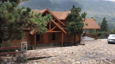 "Cabaña en Bosques de Monterreal ""Monte Erze"""