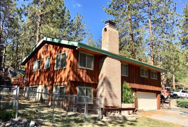 Save $$!! Cozy mountain apartment in the pines