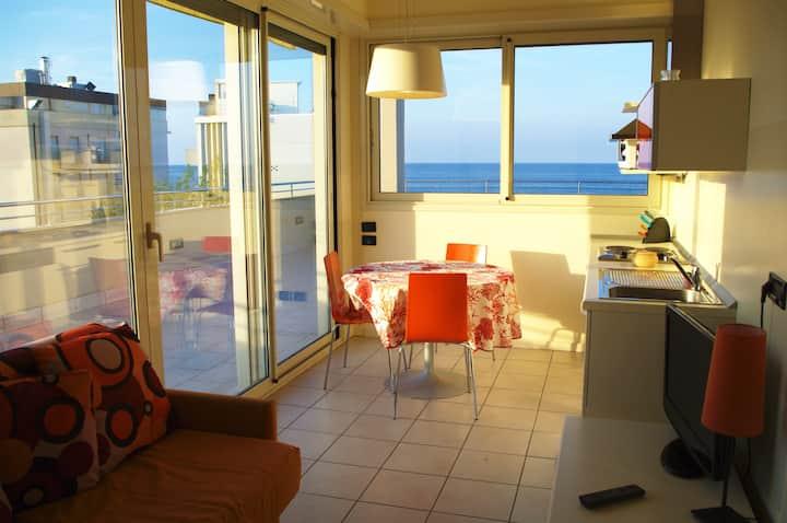 Appartamenti Avana - Attico Fronte Mare (4 pax)
