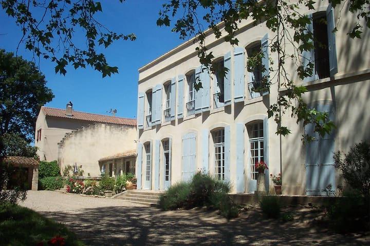 Gite au Chateau de Rouvignac - Cazouls-lès-Béziers - Dom