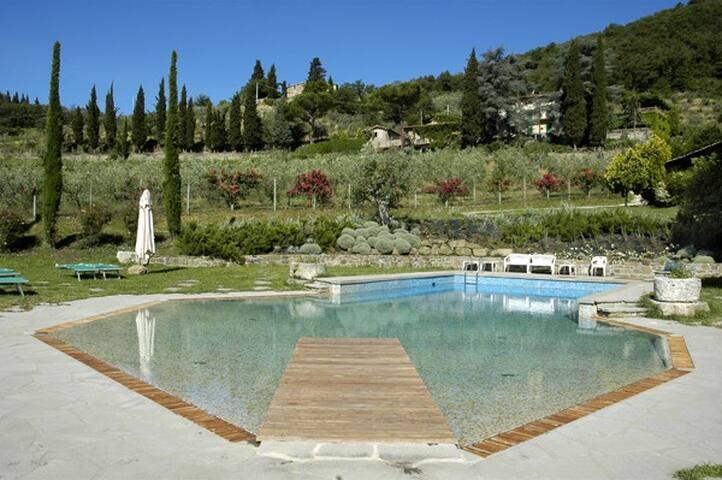 CASETTA. Beautiful Tuscan Countryside Apartment.