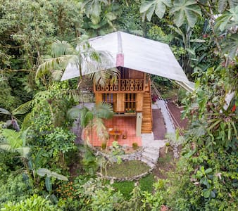 Superior Cloud Forest Cabin - Mindo