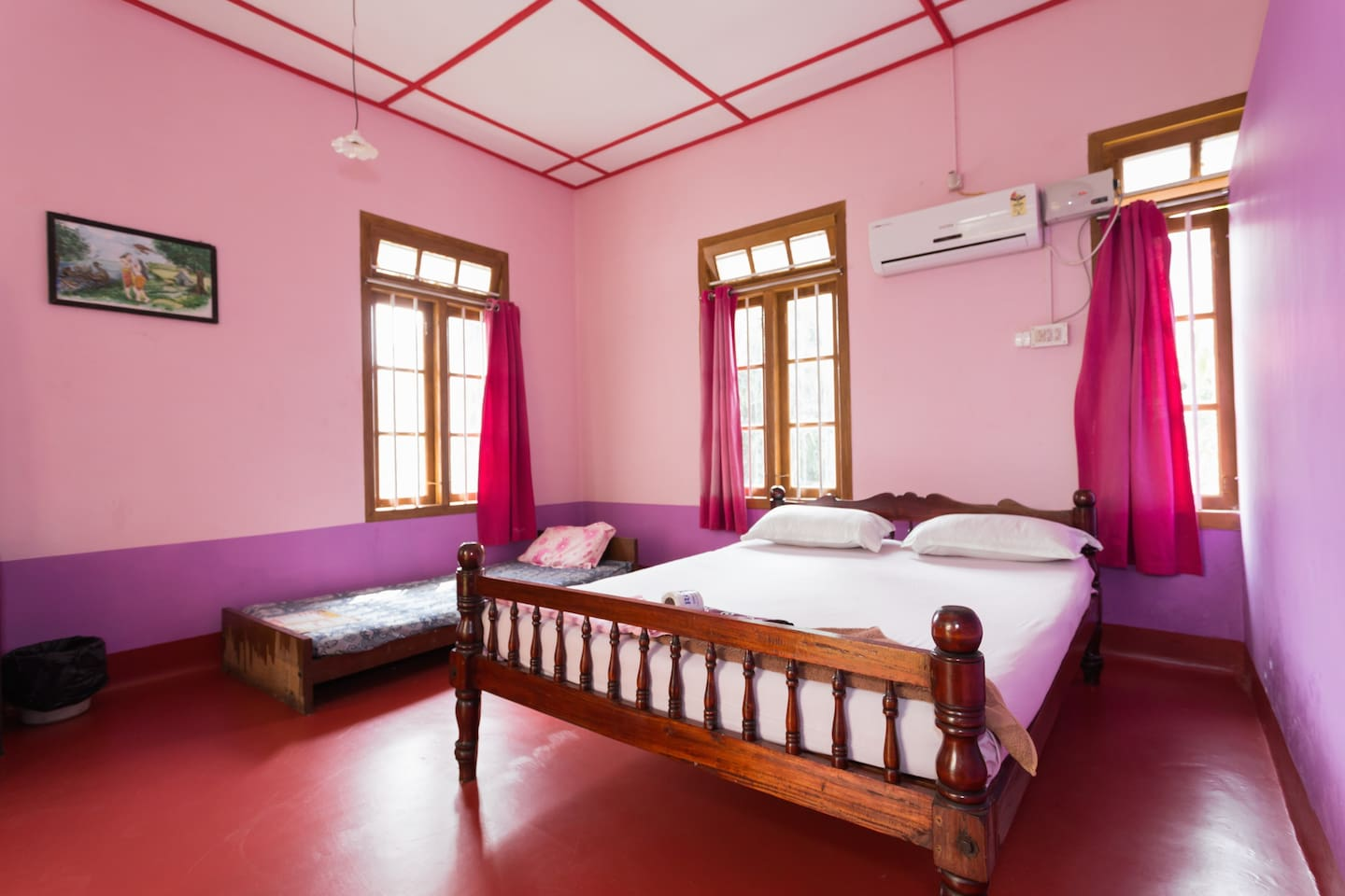 Let the pinks and the violets and the super comfy mattress @ Johnson's put you in the mood for 'Romance'. Super mod con shower, bathtubs in the balconey for the adventurous loving couple and hanging swing chair - also in the balconey for reading and relaxing.