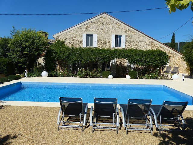 Provencal villa with private pool - Uchaux - Villa