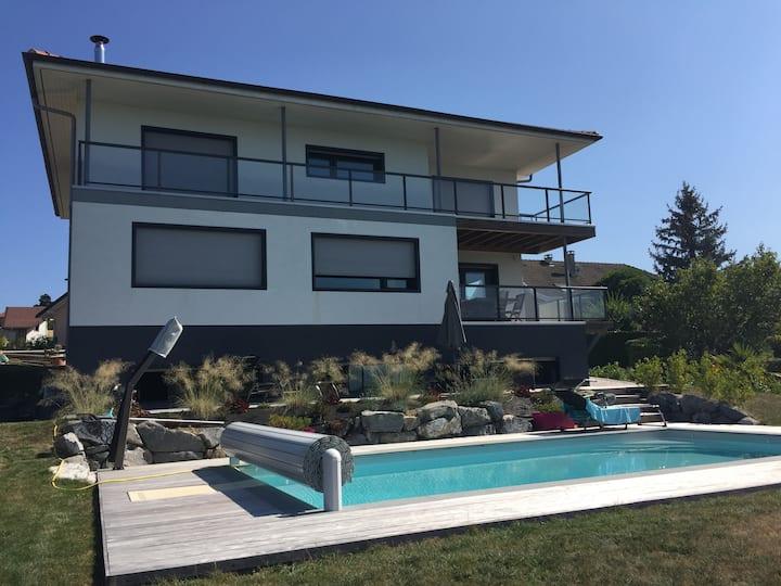 Villa moderne tout confort avec piscine