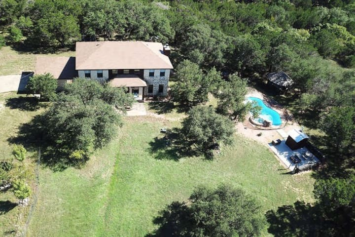 DISINFECTED HOME, POOL, NEXT TO WINERY, NEAR LAKE