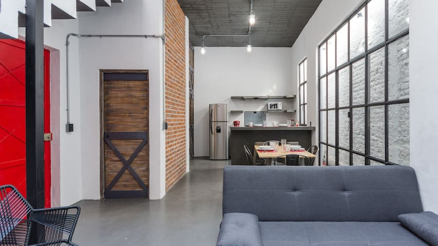 Urban and brand new Loft with rooftop terrace