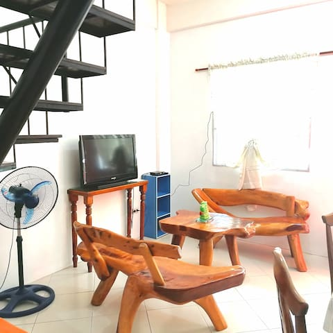 Apartment w/ safe parking,  A/C & wifi near SM