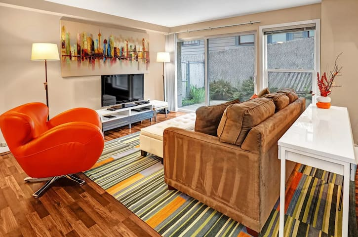 Spacious, Modern 2 Bedroom Apartment in Fremont
