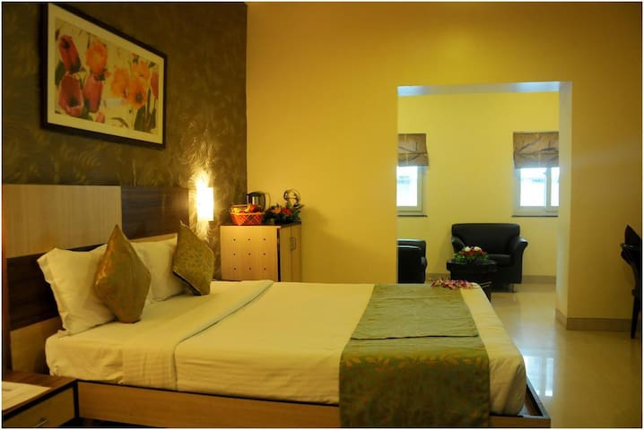 JK Rooms - Pune Railway Station, Sangamvadi