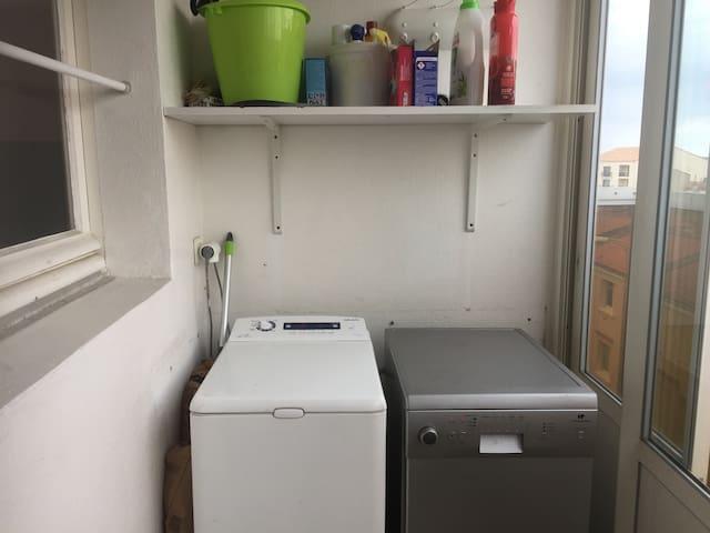 Machine à laver, lave vaisselle, produits d entretien