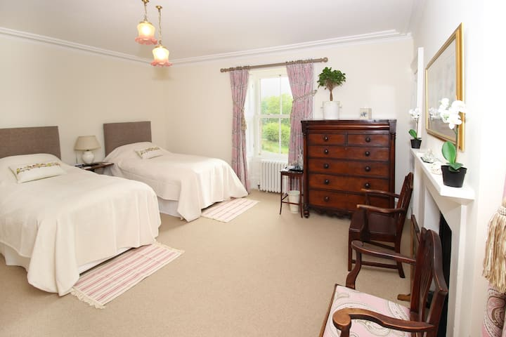 Preston House Bed & Breakfast - Twin Room