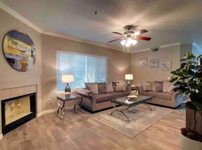 Scottsdale Ranch. New remodel, Resort Feel