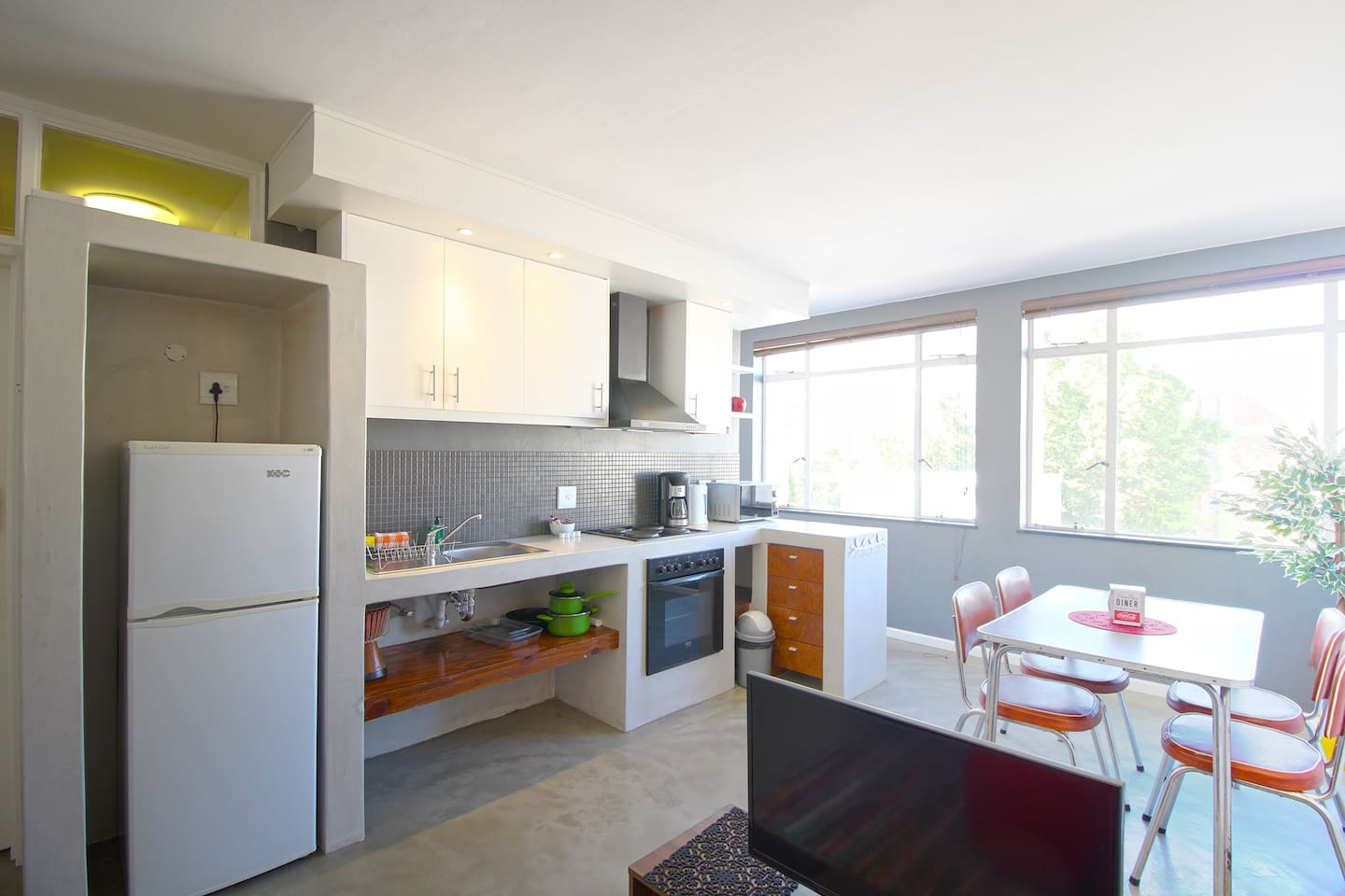 Perfect Cape Town Studio! - Apartments for Rent in Cape Town ...