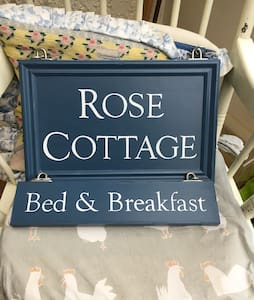 Charming cottage, B&B, Dog friendly, Single Room.
