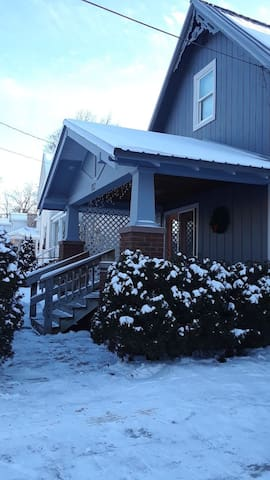 Just steps away from dwntwn Boyne City & Lake Chx