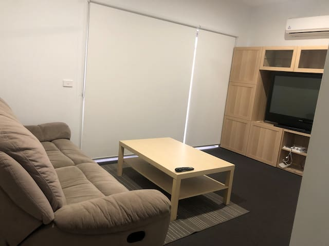 Modern furnished short stay apartment