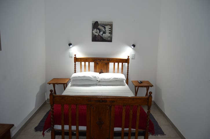 Juanita's Selfcatering Room1
