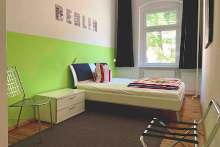 clean calm and cosy Mitte-Apartment near Charité