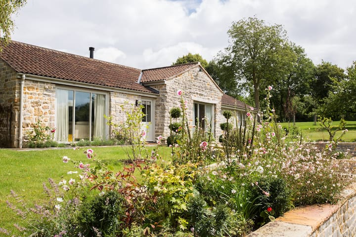 Orchard Cottage - Alhampton - Dom