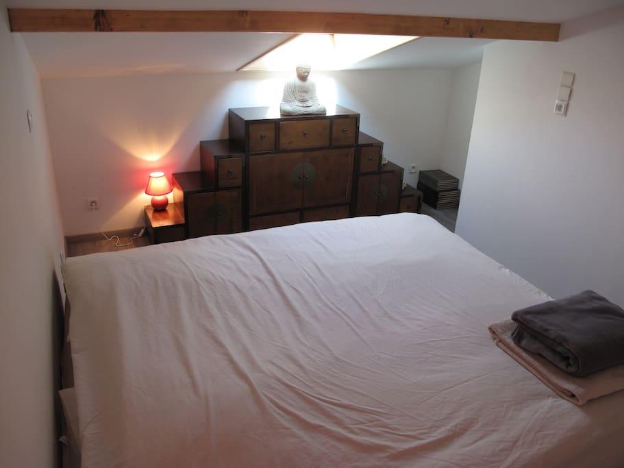 grand appartement terrasse vue lac centre ville appartements louer thonon les bains. Black Bedroom Furniture Sets. Home Design Ideas