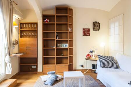 Great Room, near Pl Espanya - Wohnung