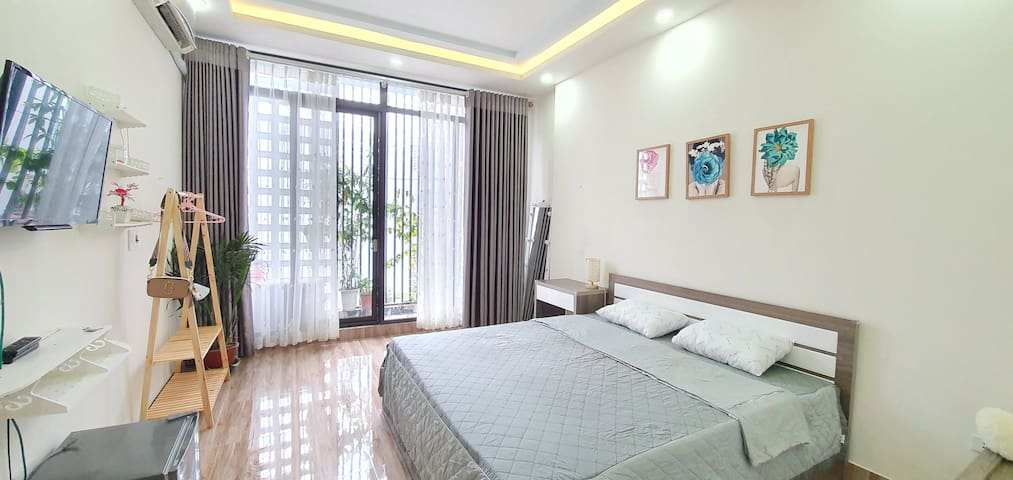 CHIVY HOUSE- 1BR AT VAN CAO STREET