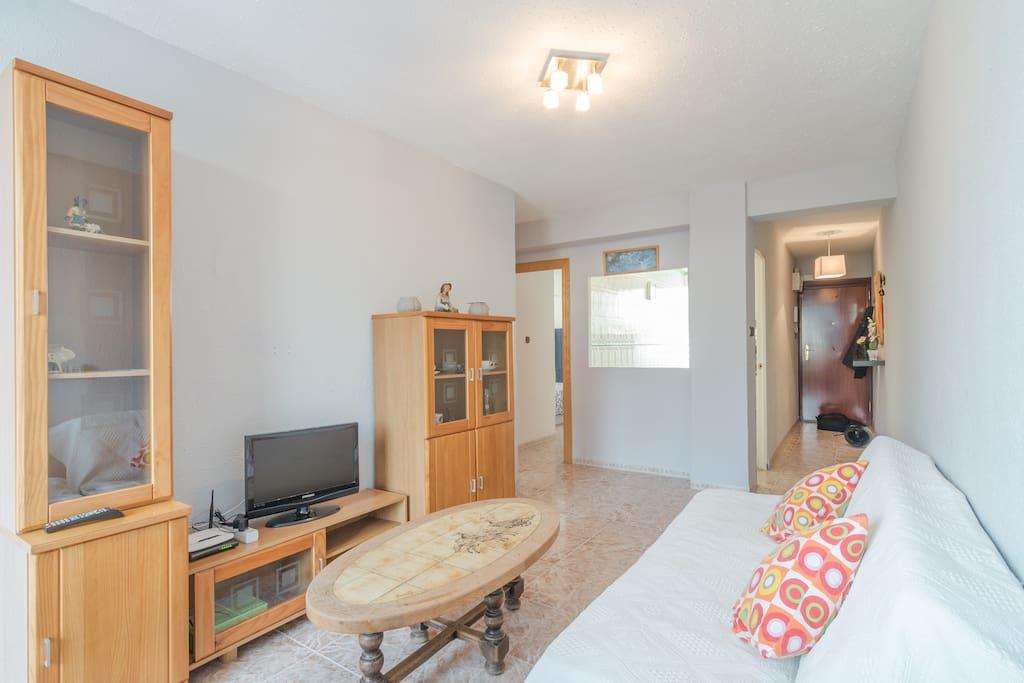 En los muebles podrás encontrar  información turística de Málaga.