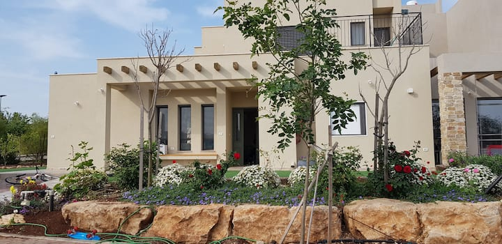 Charming Galilee Villa with sukkah (Kosher)