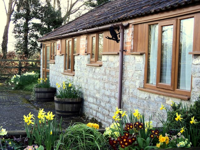 OWLS COTTAGE - a cosy holiday home - Castle Cary