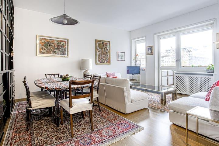 Delightful apartment in Como centre