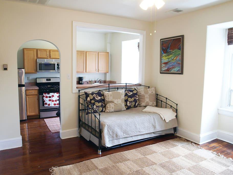 Lovely Locust Rittenhouse One Bedroom Apartments For Rent In Philadelphia