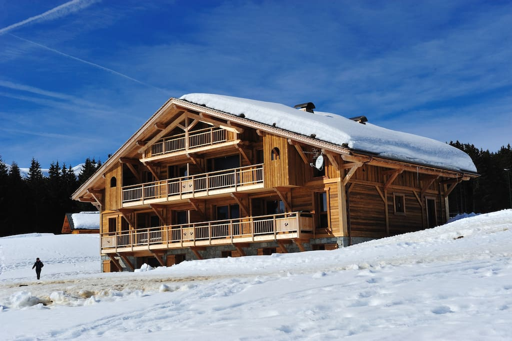 4 mont blanc chalet de luxe chalets for rent in. Black Bedroom Furniture Sets. Home Design Ideas