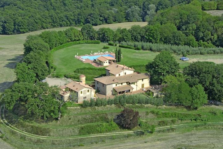 House Valdarno in the tuscany hills