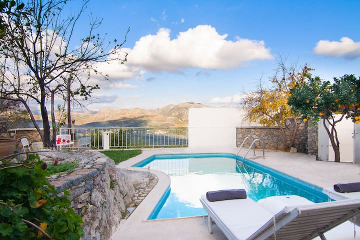 Away from it All in Real Crete! - Atsipades, Rethymno - Villa