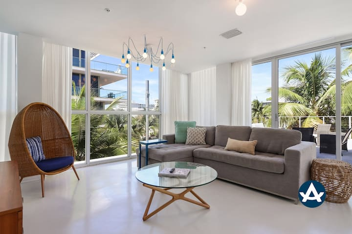Sextant | Collins Ave 2 bed | Private Terrace | Rooftop Pool | 1 Block to Beach