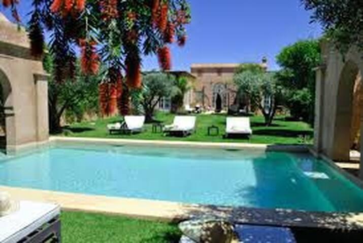 superbe villa d'architecte - Marrakesh - House