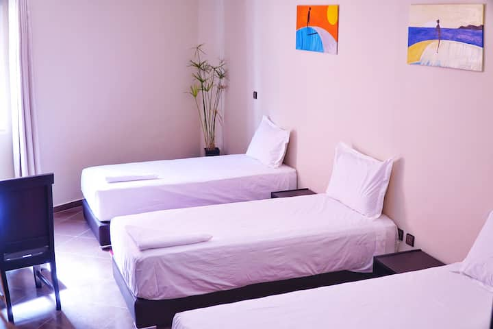 3 Beds&Br. Room with Bathroom, TV