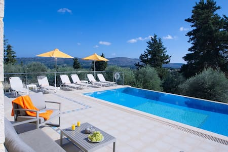 Villa Olivia with Pool,Vrises,Crete - Vrises - 別墅