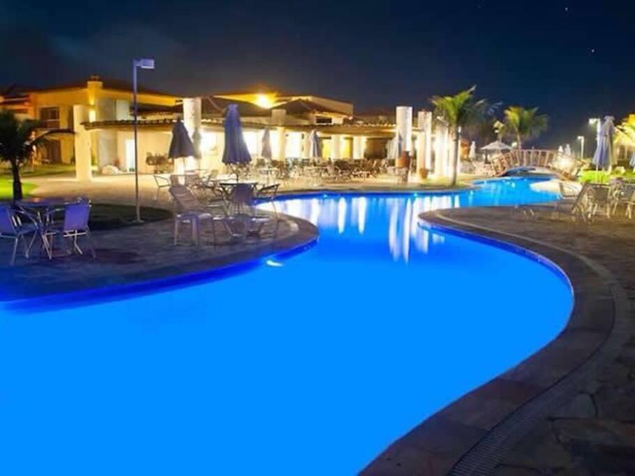 Noite na piscina