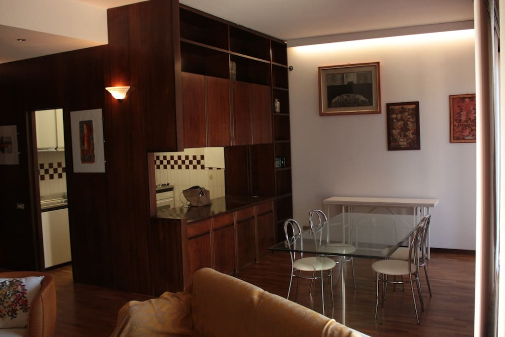 Lato pranzo/cucina open space