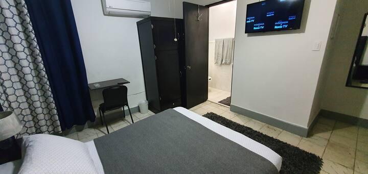 Habitación con baño privado en excelente zona Mty