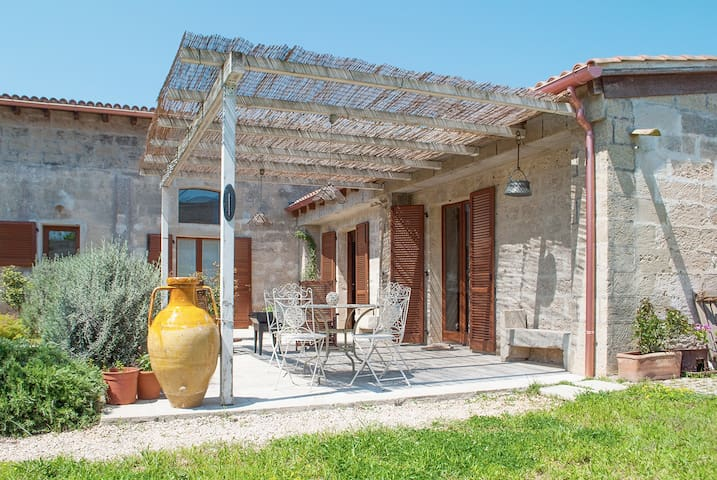 B&B Masseria dei 12 Granai - Specchia Gallone - Bed & Breakfast