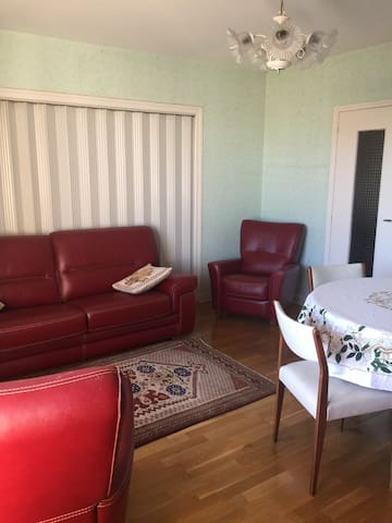 auch  circa  : appartement  dans résidence
